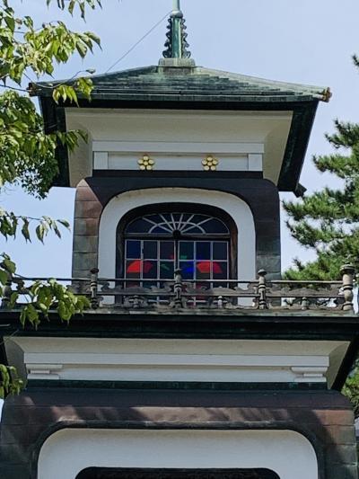 ステンドグラスが珍しい 尾山神社
