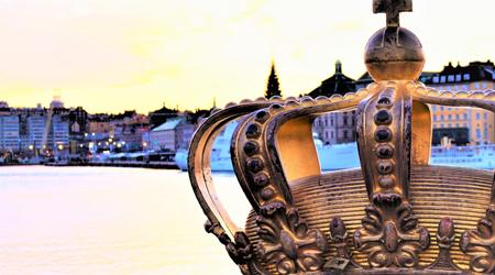 弾丸・北欧☆ストックホルムの街歩き�日の出は7:40 (*_ _) でしたが、ノーベル賞と橋の上の王冠は1日が短くたって燦然と輝いていた♪