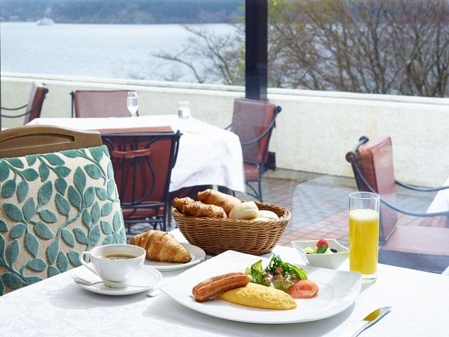 【2020秋季限定】芦ノ湖畔と庭園を散策 秋の箱根旅 朝食付