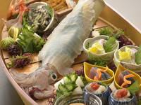 【6月8月限定美食旅】玄海の海の幸を舟盛りで満喫する!