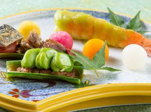 旬の高級食材を堪能『万世閣饗宴の膳(夏)』  写真