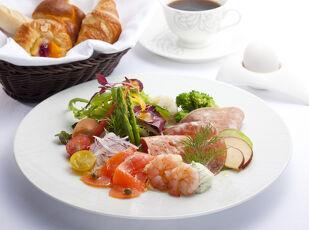 【おこもりステイ】ルームサービスでアフタヌーンティー&お食事 写真