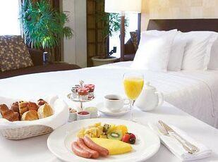 選べる朝食付ルームサービスやランチへの振替OK 写真