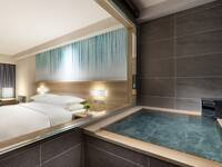 温泉付き客室×お部屋食のゆったり旅