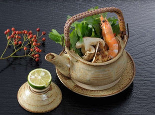 秋の味覚松茸土瓶蒸し・京野菜・国産牛ステーキを味わう 写真