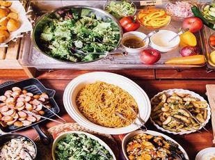 朝食付11時チェックアウト!20種以上の惣菜が食べ放題♪  写真