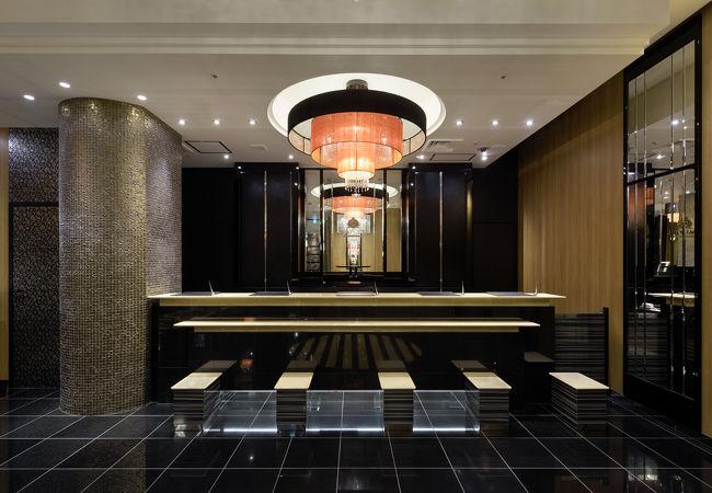 アパホテル<新宿歌舞伎町タワー> 写真