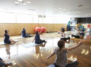 【GoTo対象】宝塚出身講師 春風弥里先生の美姿勢レッスン付 写真