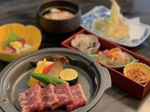 【夕食グレードアップ】国産牛陶板焼きを優雅に味わう♪ 写真
