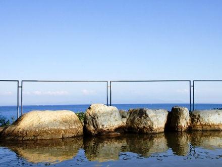 有明海に朝日が昇る 掛け流し絶景海見露天の宿 島原温泉 南風楼 写真