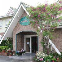 ビジネスホテル サンモール 写真