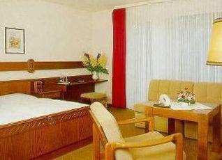 ホテル グリューナー イェーガー 写真