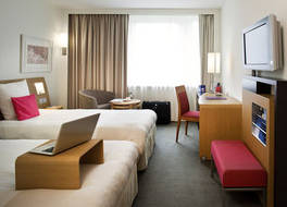 ノボテル チューリッヒ エアポート メッセ ホテル 写真