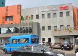 ウルバーノ ホテル