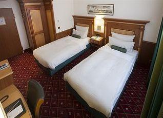 プラッツ ホテル 写真