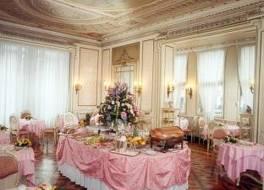 ホテル ブリストル パレス