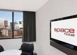 スペース ホテル 写真