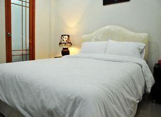 クイーン パレス ホテル 写真
