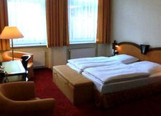 ホテル カイザーホフ デラックス 写真