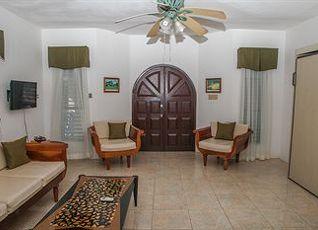 ネグリル ツリー ハウス リゾート 写真