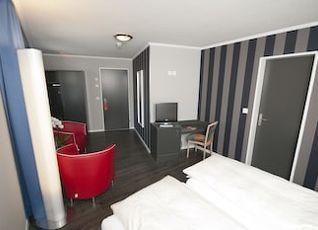 ホテル マイリンゲン 写真