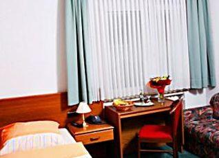 ホテル エンゲルベルツ 写真