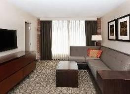 ダブルツリー バイ ヒルトン ホテル アンド スイーツ チャールストン エアポート 写真