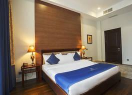 アンバサダー ホテル 写真