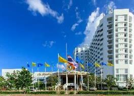 トンタリン ホテル