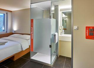 イージーホテル フランクフルト シティ センター 写真