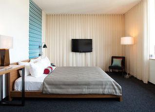 カスタム ホテル 写真