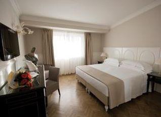 プラザ ホテル ルッチェシ 写真