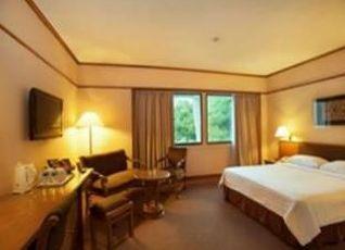 エルミ ホテル 写真