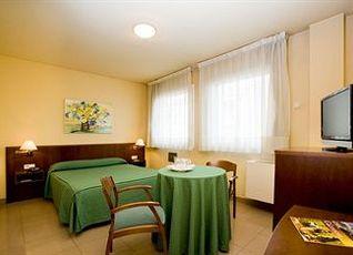 ホテル ラ ペルラ ドロット 写真