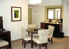 エンバシー スイーツ ホテル カンサス シティ オーバーランド パーク 写真