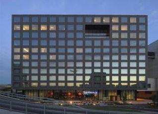 ラディソン ブル ホテル チューリッヒ エアポート 写真