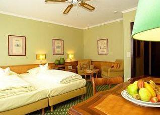 ホテル アドミラル 写真