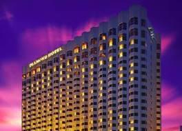 ダイアモンド ホテル 写真