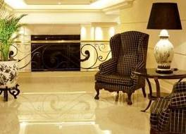 ディプロマティック ホテル 写真