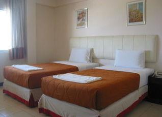 イースタン ホテル 写真