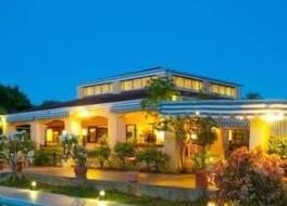 Mount Nevis Hotel 写真