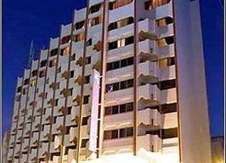ケンジ バスマ ホテル 写真