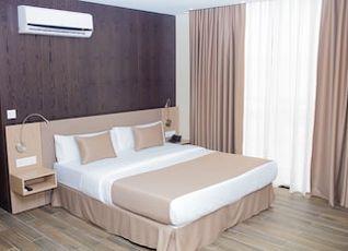 Fly Hotel 写真