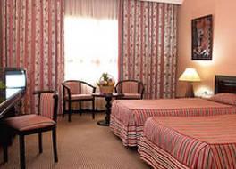 アザライ ホテル バマコ