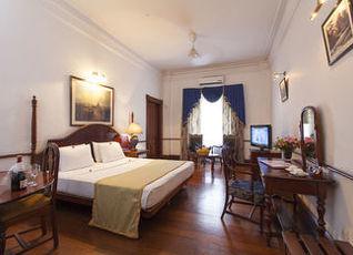クイーンズ ホテル 写真