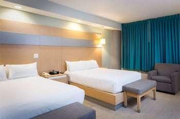 ホテル ロイヤル オアシス 写真