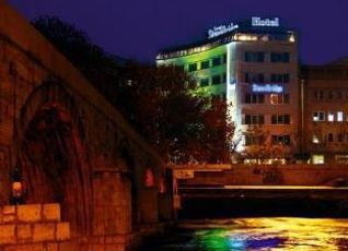 Stone Bridge Hotel 写真