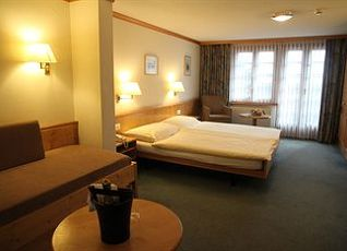 ホテル ダービー 写真