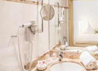 ホテル ヴェーバー 写真
