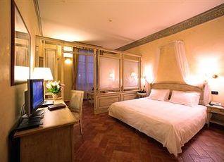 ホテル ダヴァンツァーティ 写真